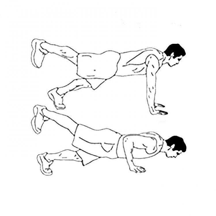 Push-ups with alternative leg raises