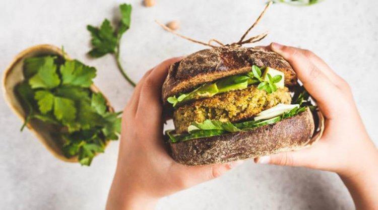 Vegetarian diets lower cholesterol