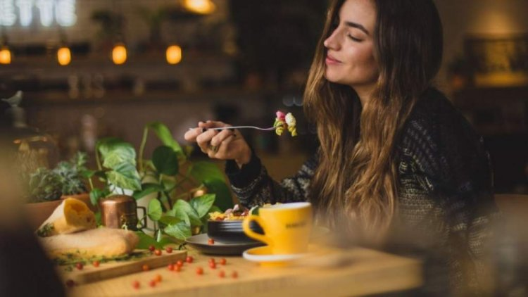 Как храната влияе на настроението, какво да ядете, за да се развеселите?