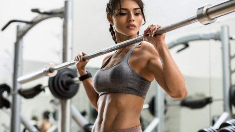 Crossfit: набор от упражнения за начинаещи и напреднали, тренировъчна програма за мъже и жени